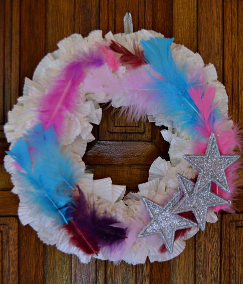 Stars and Feathers DIY Christmas Wreath