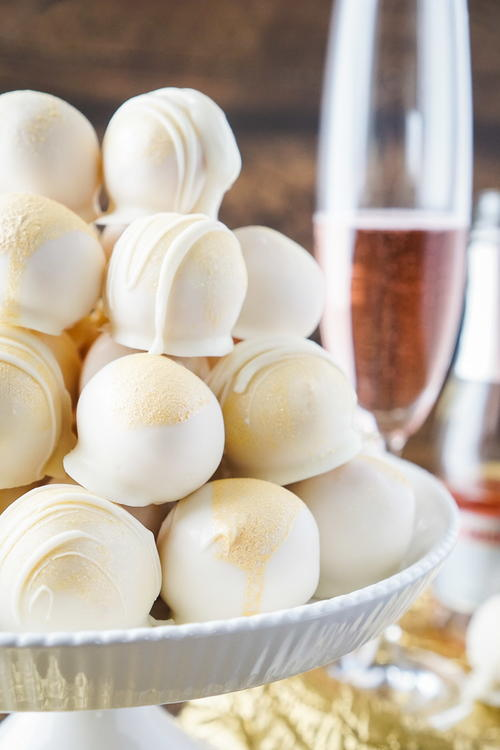 Strawberries and Champagne Cake Balls