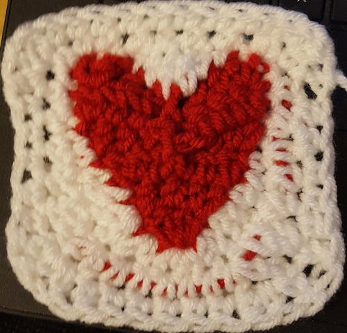 Circle of Hearts Checkerboard Baby Afghan