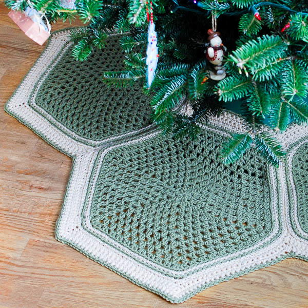 Granny Hexagon Tree Skirt Allfreecrochet Com