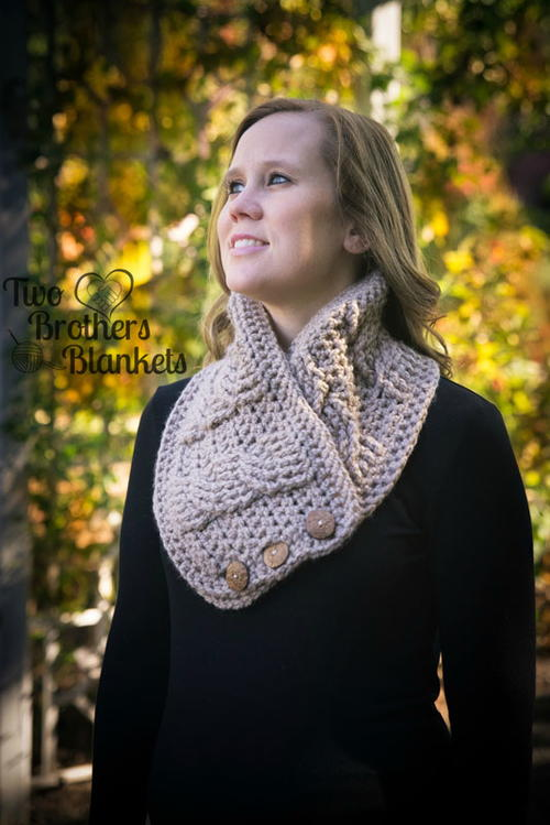 Alexis Cabled Cowl