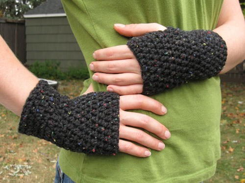 Peasy Crochet Fingerless Gloves