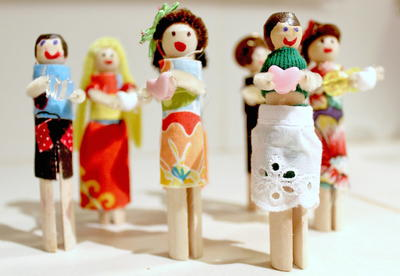 Cool Clothespin Doll DIY Valentines