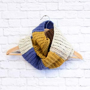 Piece of Cake Caron Cakes Cowl Pattern