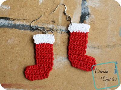 Festive Stocking Earrings | AllFreeCrochet.com