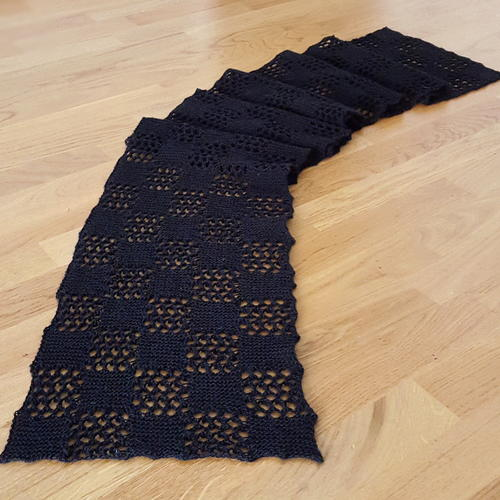 Checkered Lace Scarf
