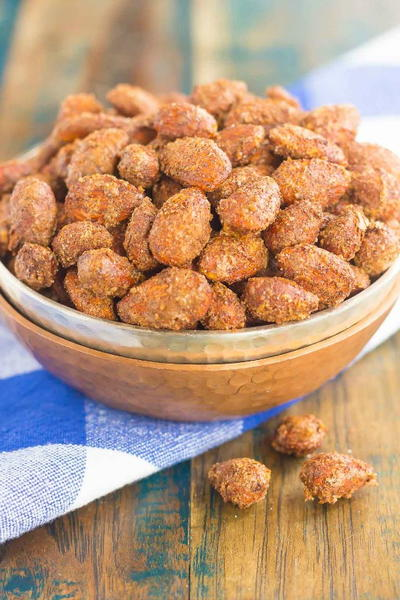 Roasted Cinnamon and Nutmeg Almonds