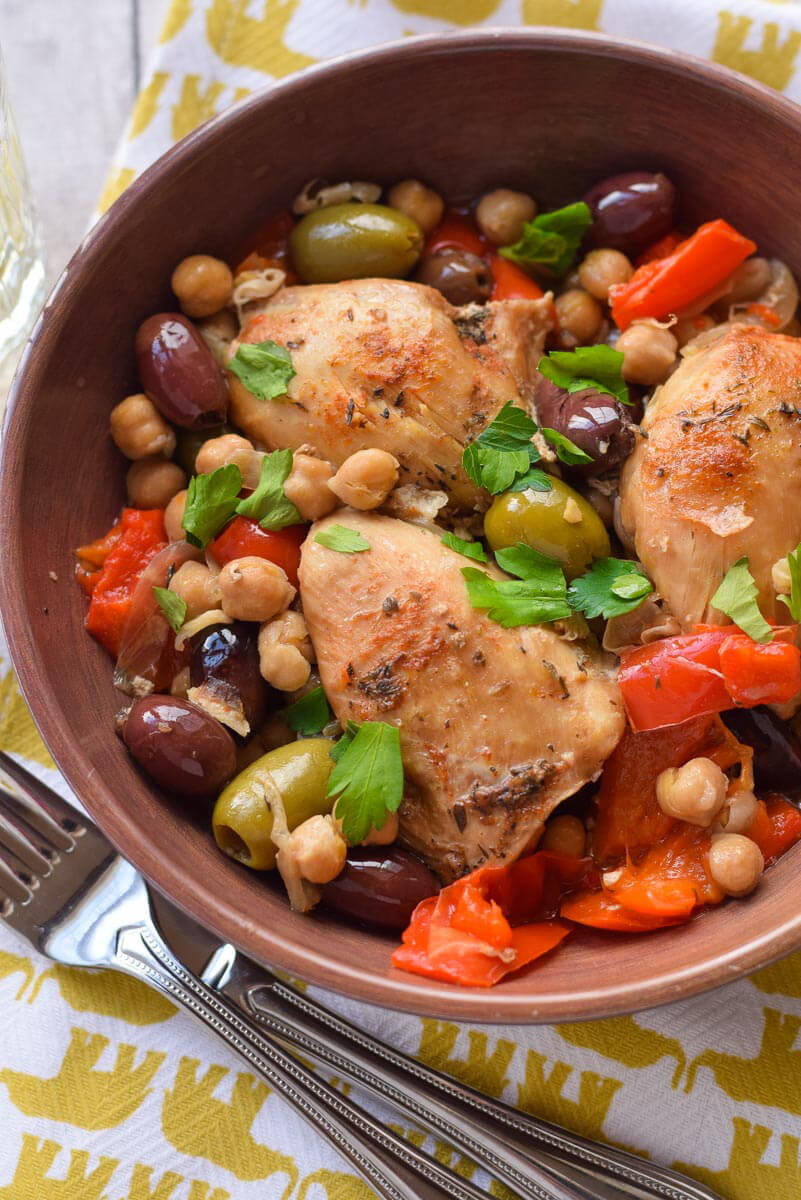 Slow Cooker Chicken with Olives and Peppers | RecipeLion.com