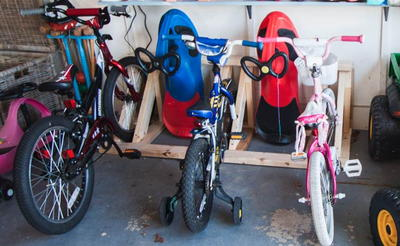 Sturdy DIY Pallet Bike Rack