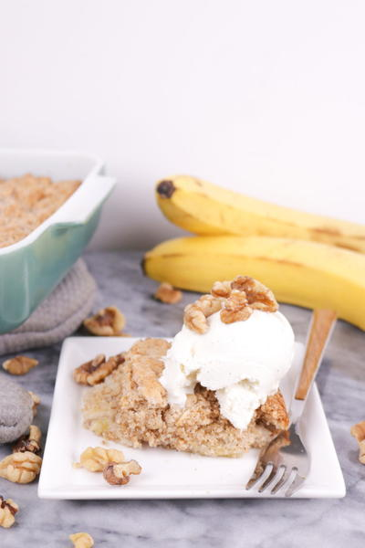 4-Ingredient Banana Bread Dump Cake