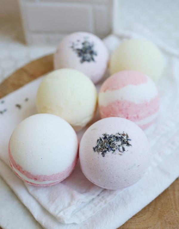 Adorable Homemade Bath Bombs