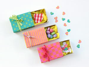 Tiny Valentine Gift Boxes