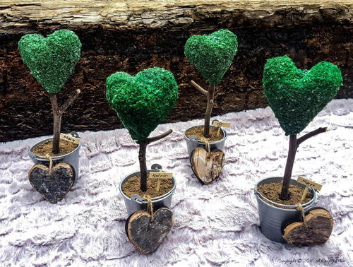 Faux Topiary Heart Place Card Holders