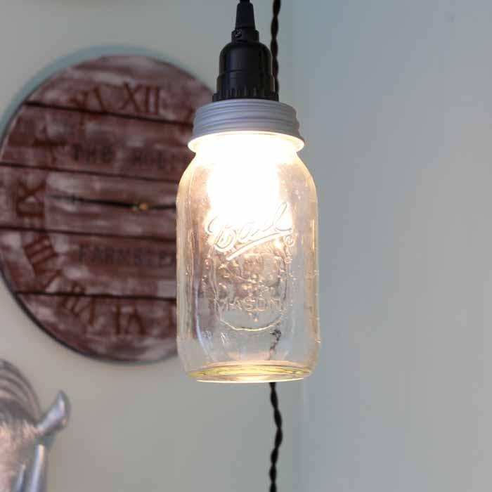How to Make a Mason Jar Light | DIYIdeaCenter.com