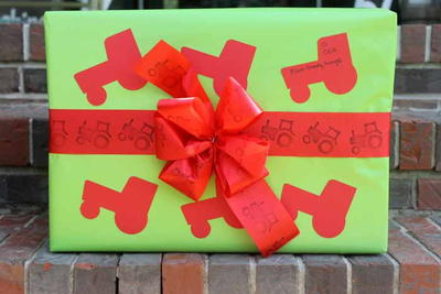 John Deere Inspired DIY Wrapping Paper