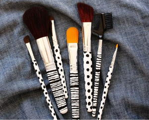Adorable DIY Makeup Brushes