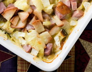 Ham, Brie, and Pear Bake