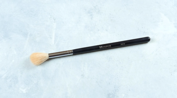 Makeup Brushes 101 - Types of Brushes for Your Makeup - Highlighter Brush