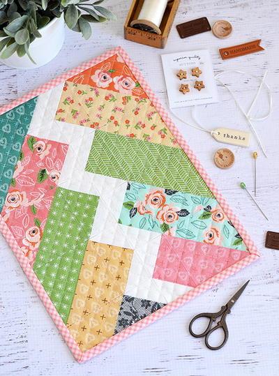 28 modern quilt patterns and modern quilting ideas favequilts com rh favequilts com