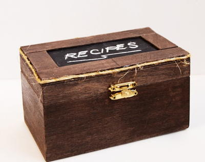 Rustic Chalkboard DIY Recipe Box