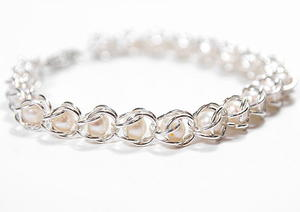 Nestled Pearls Chainmaille Bracelet