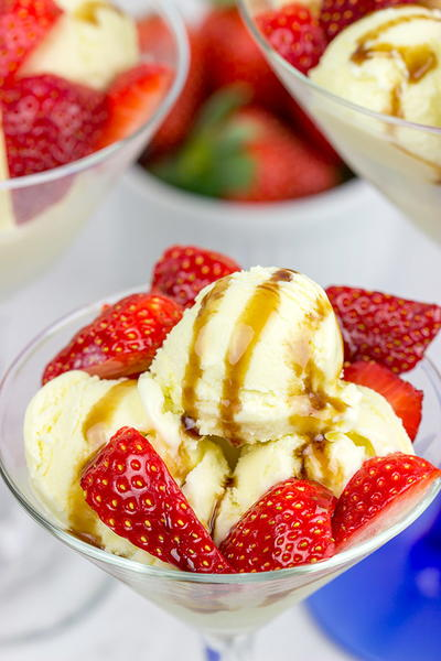 Olive Oil Gelato with Balsamic Strawberries