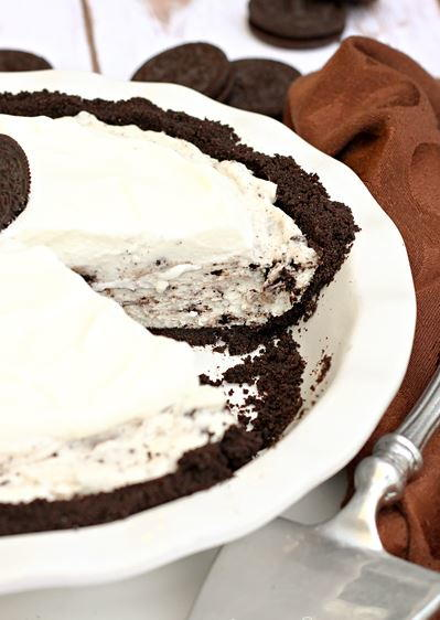 No-Bake Cookies and Cream Pie Recipe