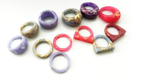 Resin Rings with Metal Flakes