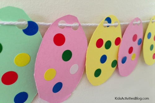 Cheerful Easter DIY Garland