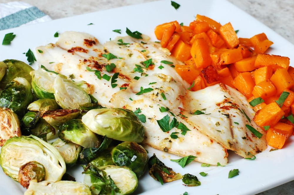 Garlic fish and vegetable sheet pan meal for Fish and vegetable recipes