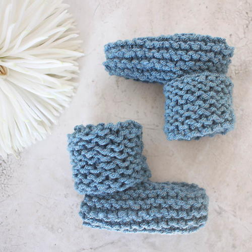 Easy Cuffed Baby Booties
