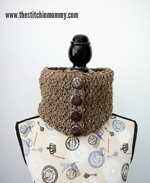 Barley Button Cowl