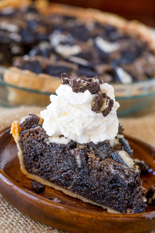 Oreo Chunk Cookie Pie