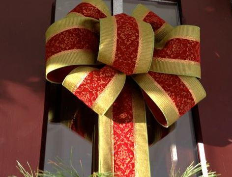 how to tie the perfect holiday bows - Large Christmas Bows
