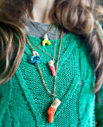 Bright Dipped Coral Necklace Design