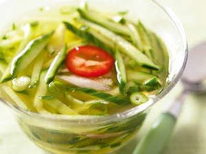 Chilled Cucumber Soup (Oi Naeng-guk)