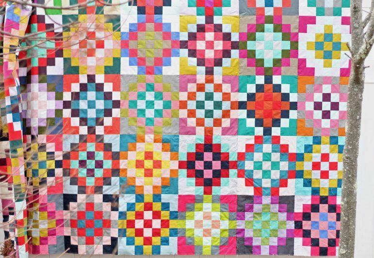 Checkered Garden Quilt Tutorial Favequilts Com