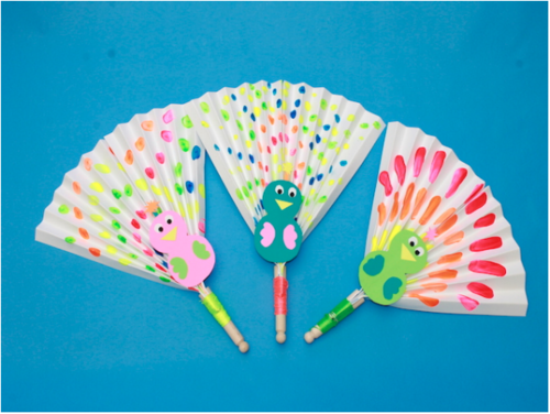 peacock craft ideas for kids paper fan peacock craft allfreeholidaycrafts 7033