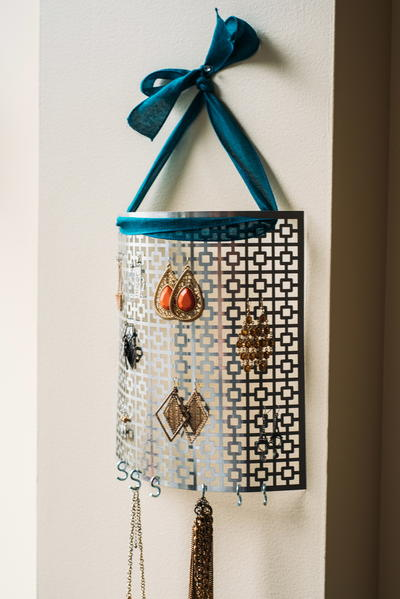 Hanging DIY Jewelry Organizer