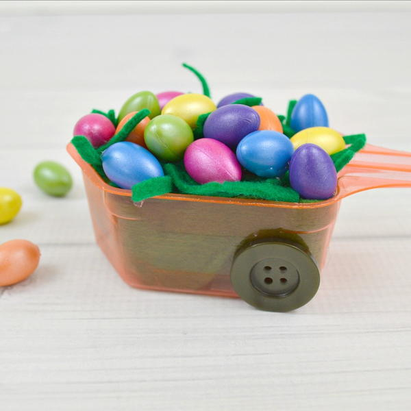 Laundry Scoop Craft for Easter