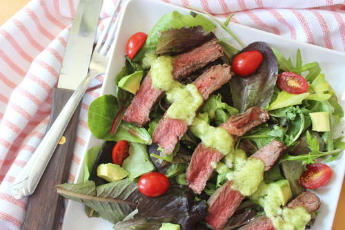Sirloin Steakhouse Salad w/ Avocado-Garlic Dressing
