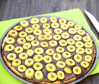 Nutella Banana Pizza