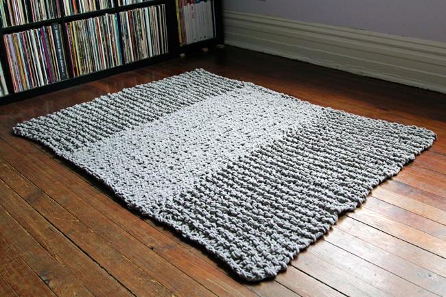 Bulky Knit Rug | AllFreeKnitting.com