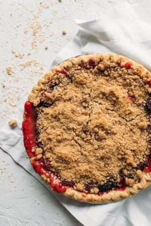 Blackberry Raspberry Crumb Pie