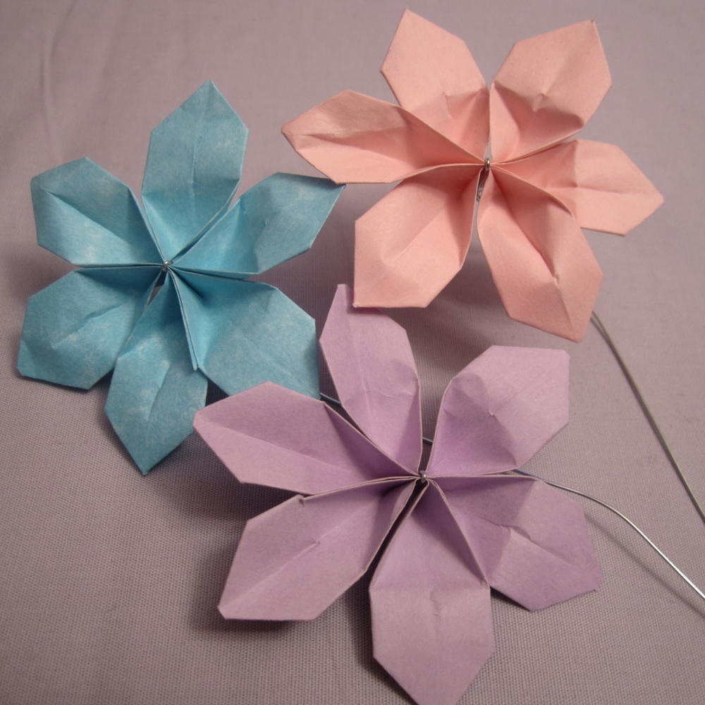 Sweet and easy diy paper flowers allfreepapercrafts dhlflorist Choice Image