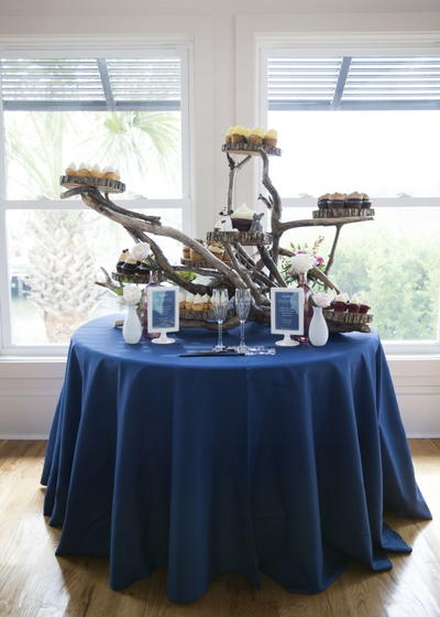 Driftwood Cupcake Display