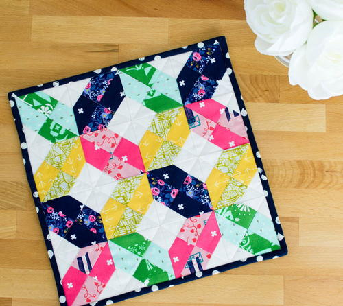 Criss Cross Mini Quilt Pattern