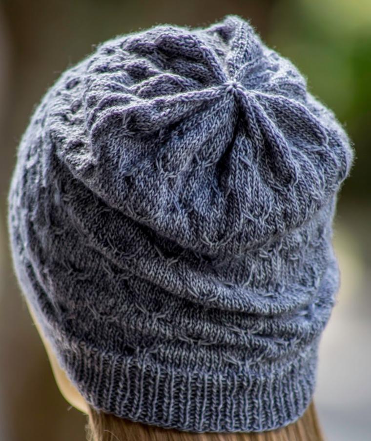 Parrot Knitting Pattern Free : Wavy Bird Slouchy Beanie AllFreeKnitting.com