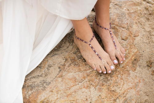 Subtle Barefoot Jewelry for a Beach Wedding