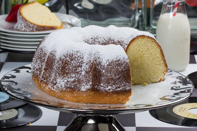 Elvis Whipping Cream Pound Cake